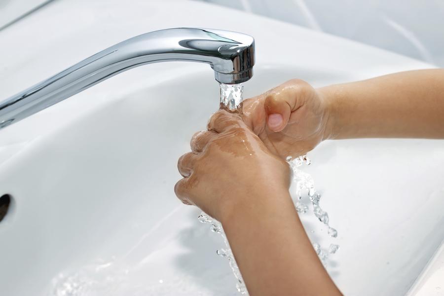 Проточная вода при химических ожогах